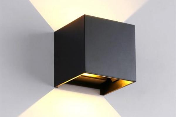 Đèn LED gắn tường ngoài trời LWA803-BK Kingled