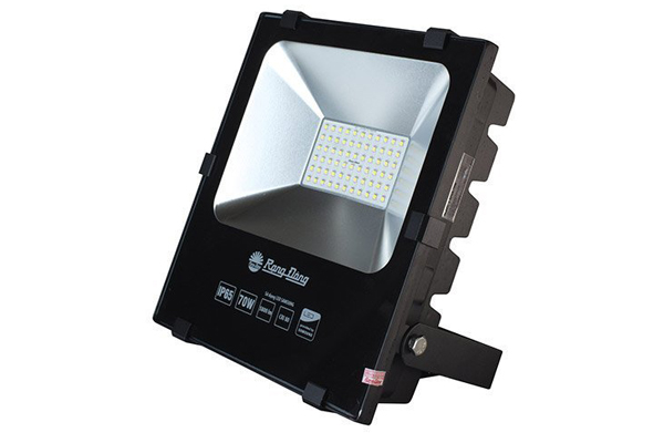 Đèn pha LED 70W Rạng Đông D CP03L/70W